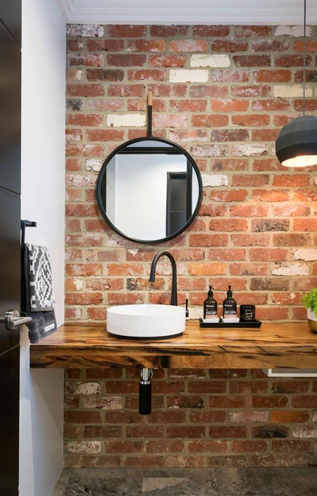 antesala do banheiro rustico