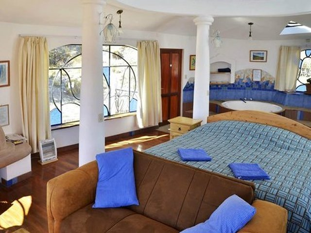quarto colonial com banheira