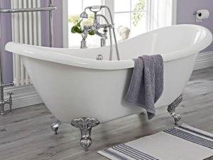 banheira classica na reforma do banheiro