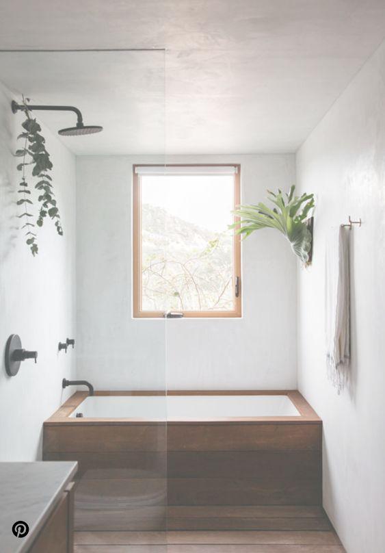 banheiro minimalista com plantas