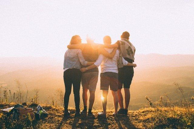 encontre os amigos