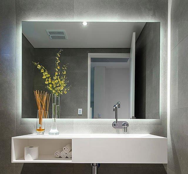iluminação de led no banheiro