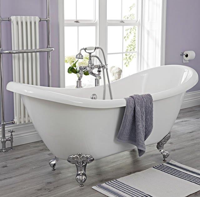 banheira rustica no banheiro