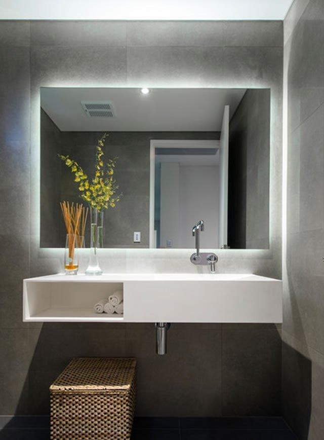 iluminação espelho do banheiro